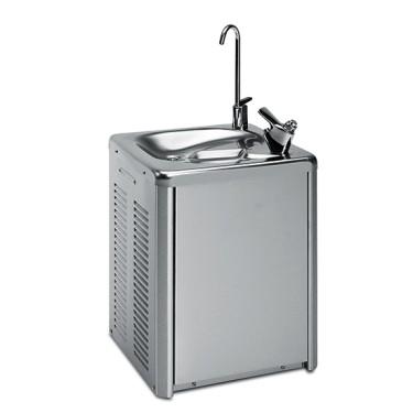 Fontanella di acqua per acqua fredda fino a +4°C, min. 31 litri/ ora, montaggio a muro
