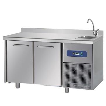 Tavolo refrigerato gastronorm 2 porte con lavabo lato a destra, piano di lavoro con alzatina